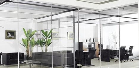 现代办公玻璃隔断环境设计的流行选择